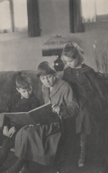 First_School_Teacher_Reading_to_Students_in_Upper_Arlington_OH