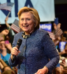Hillary_Clinton_Philadelphia_rally_4-20-16_(cropped)