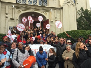 Harvard food service workers celebrate at contract announcement