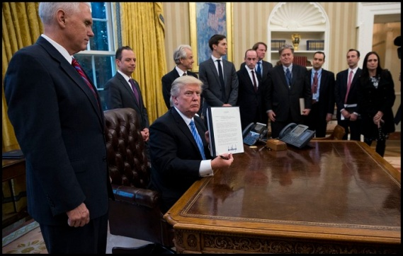 trump-signing-order-to-defiund-int-pp